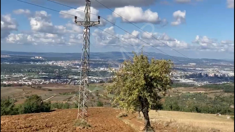 Dağyenice'de Şehre Hakim Noktada Mükemmel Bir Arazi
